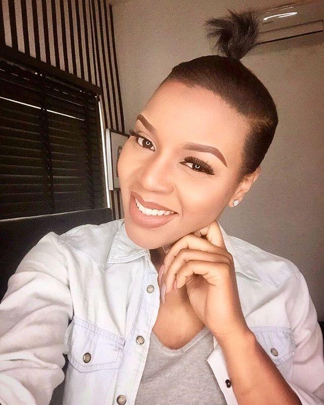 LolaOJ, top 3 Nigerian beauty blogger on thisthingcalledfashionn